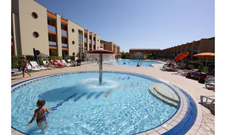 residence AI GINEPRI: piscina bambini