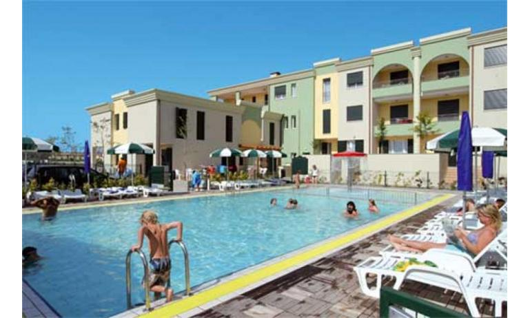 résidence ALLE FARNIE: piscine