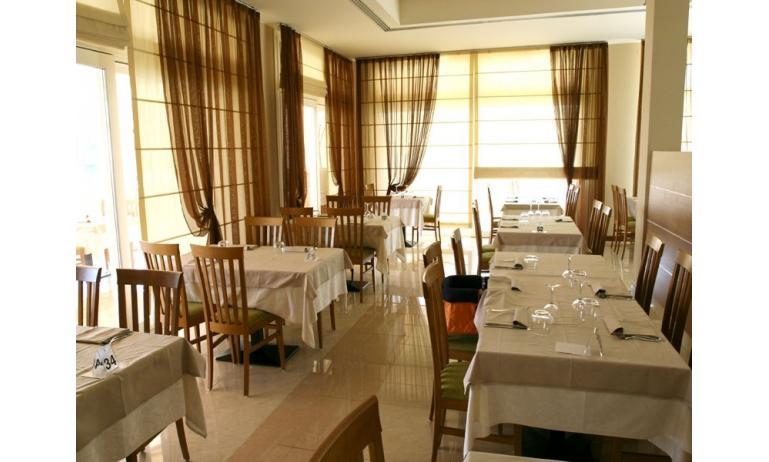 hôtel MAREGOLF: restaurant