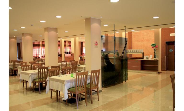 Hotel MAREGOLF: Restaurant