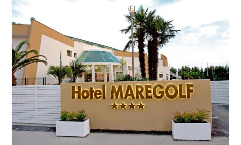 hôtel MAREGOLF: entrée