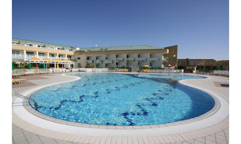 hôtel MAREGOLF: piscine