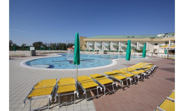 hôtel MAREGOLF: terrasse solarium
