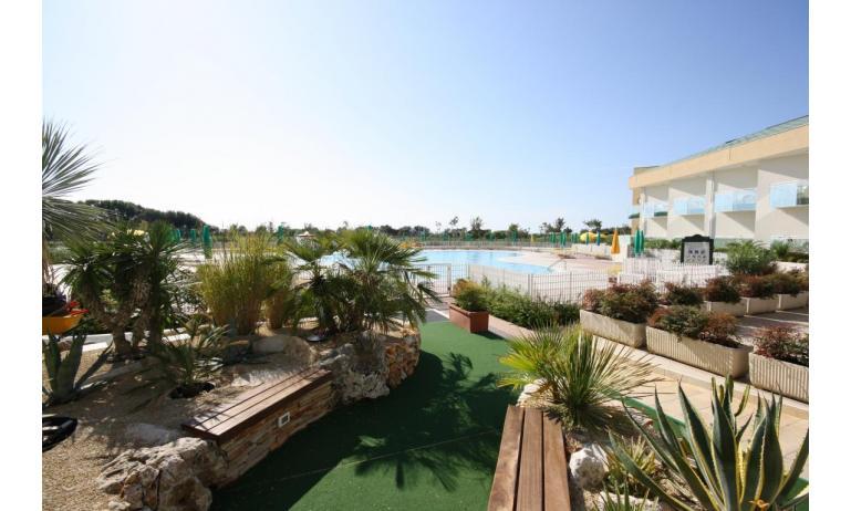 hôtel MAREGOLF: zone verte intérieure