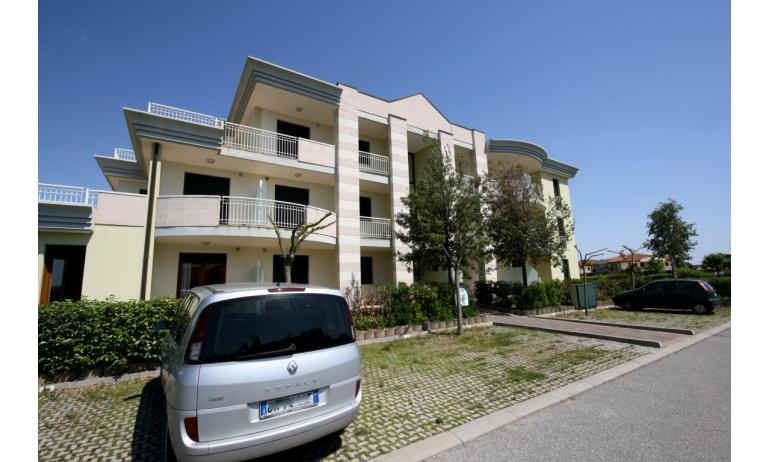 residence GIARDINI DI ALTEA: posto auto (esempio)