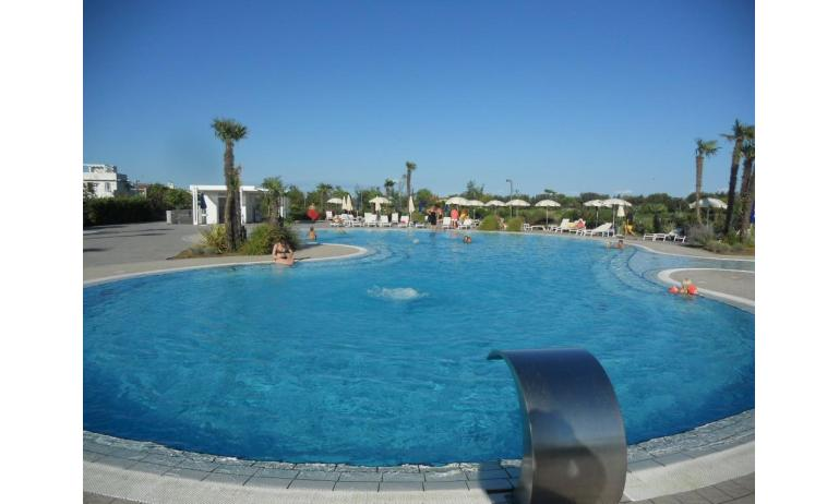 residence VILLAGGIO LAGUNA BLU: swimming-pool