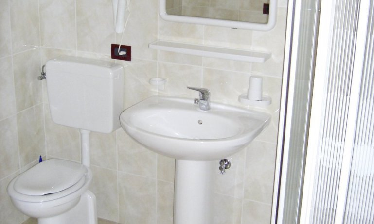 bathroom (example)