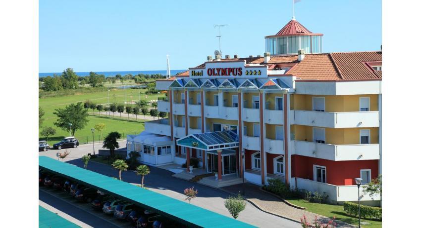 hôtel OLYMPUS: place de parking (exemple)