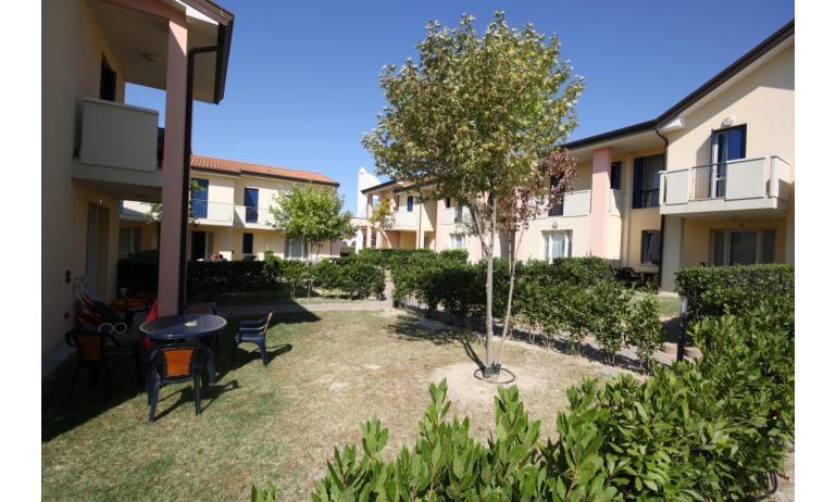 residence LA QUERCIA: C7V - giardino (esempio)