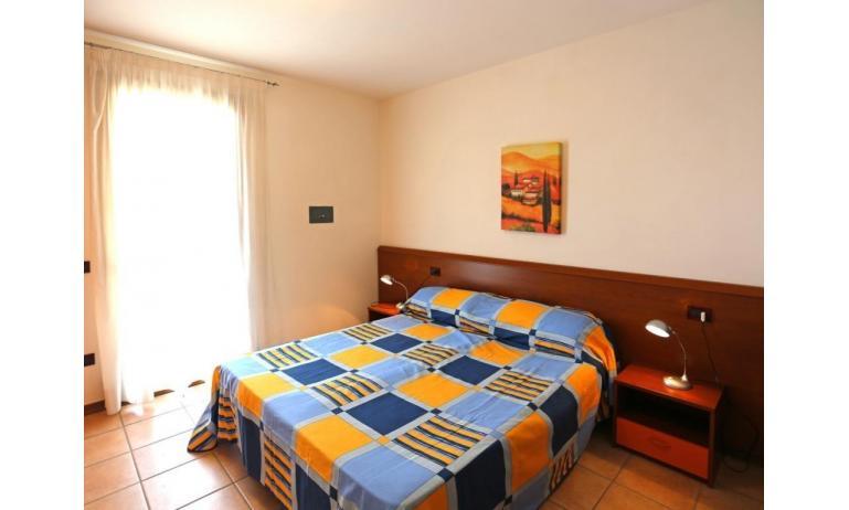 residence AI GINEPRI: C6 V - camera matrimoniale (esempio)
