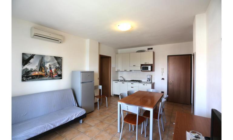 residence AI PINI: B5 - soggiorno (esempio)