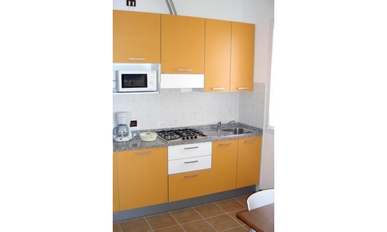 résidence ALLE FARNIE: B4 - coin cuisine (exemple)