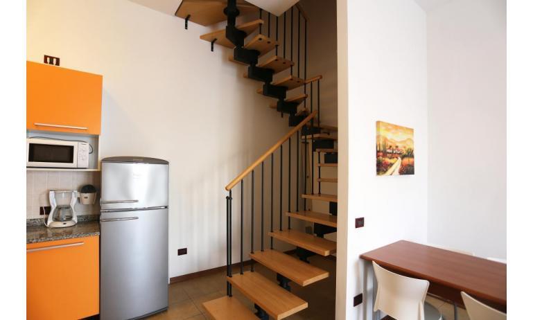 résidence ALLE FARNIE: B5V - escaliers internes (exemple)