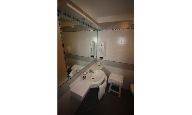 Hotel MAREGOLF: Convenience - Badezimmer (Beispiel)