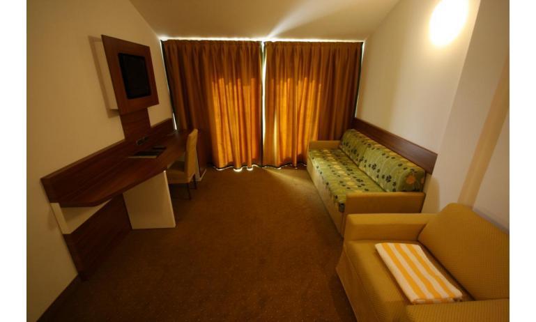 Hotel MAREGOLF: Ideal - Doppelschlafcouch (Beispiel)