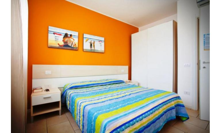 residence VILLAGGIO AMARE: B4/H - double bedroom (example)