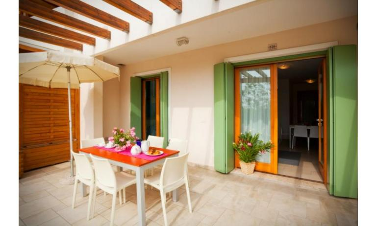 residence VILLAGGIO A MARE: C6/I - porch (example)
