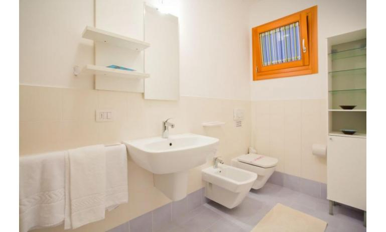 residence VILLAGGIO AMARE: C6/I - bathroom (example)