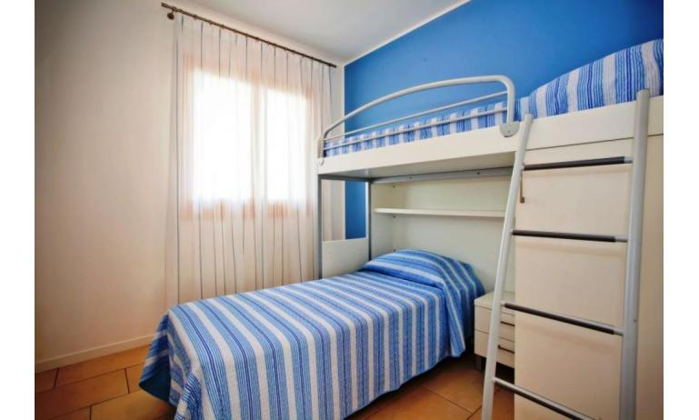 residence VILLAGGIO AMARE: C6/I - bedroom with bunk bed (example)