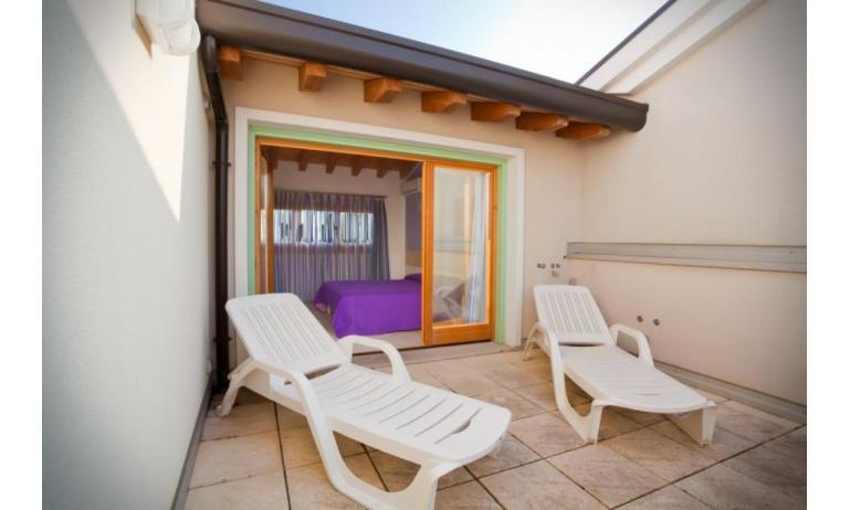 residence VILLAGGIO AMARE: D8/M - terrazzo (esempio)