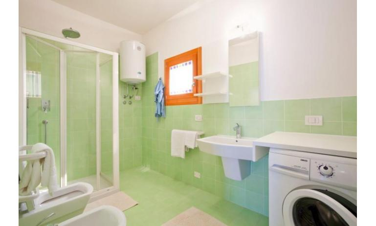 residence VILLAGGIO AMARE: D8/M - bathroom (example)