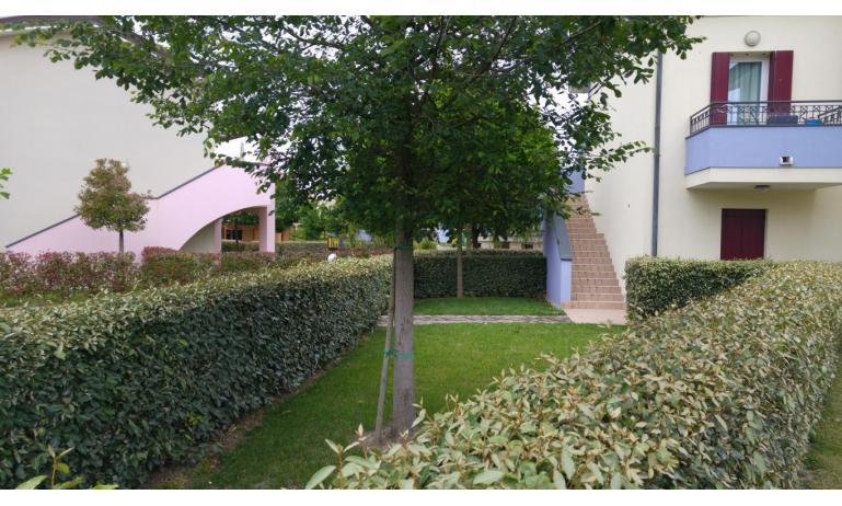 residence LE GINESTRE: C7 - giardino (esempio)