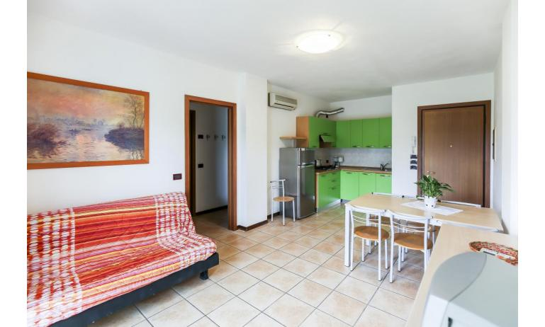 residence GIARDINI DI ALTEA: C7 - soggiorno (esempio)
