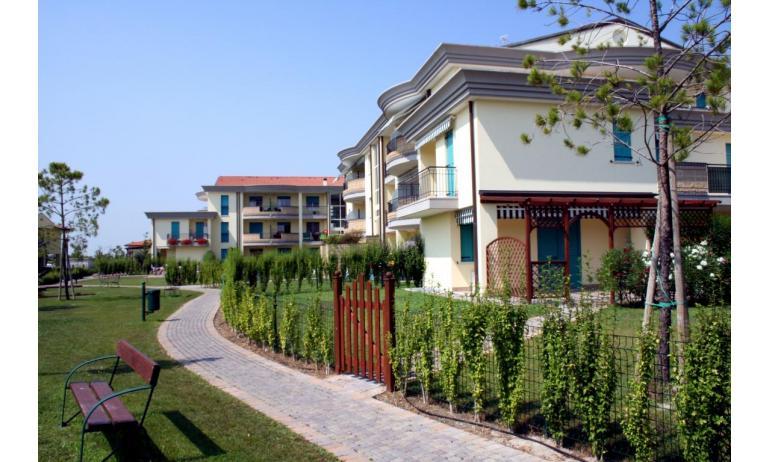 residence GIARDINI DI ALTEA: C7 - esterno (esempio)