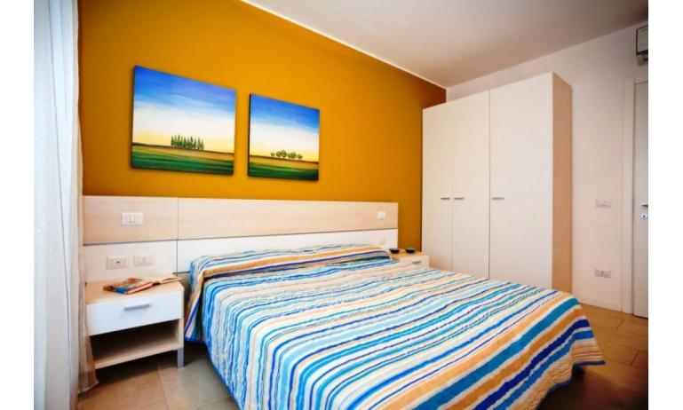 residence VILLAGGIO AMARE: B4/HR - bedroom (example)