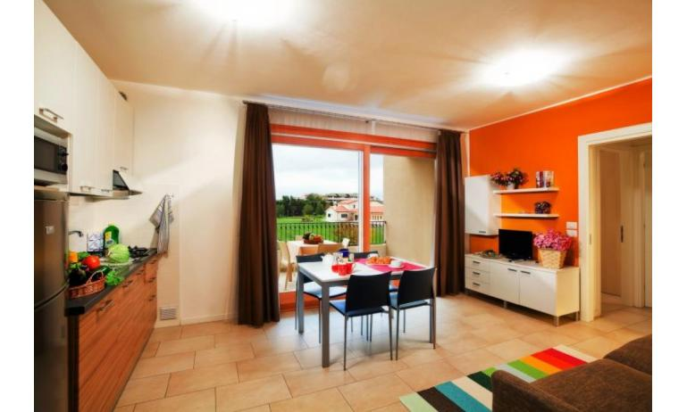 residence VILLAGGIO AMARE: B4/HR - kitchen (example)