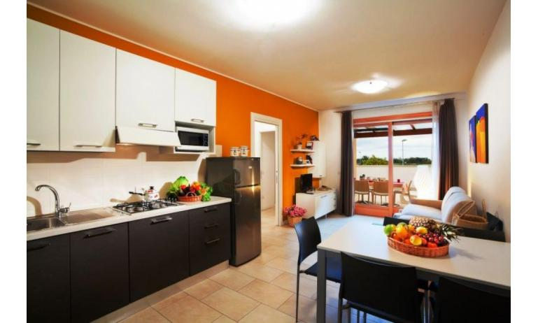 residence VILLAGGIO AMARE: C6/IR - kitchen (example)
